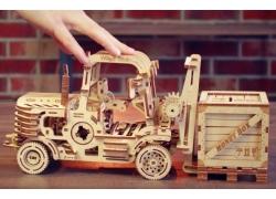 推高機 (Forklift)