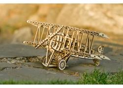 雙翼螺旋槳飛機 (Biplane)
